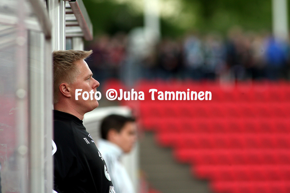 22.05.2008, Ratina, Tampere, Finland..Veikkausliiga 2008 - Finnish League 2008.Tampere United - FC KooTeePee.Valmentaja Tommi Kautonen - KooTeePee.©Juha Tamminen.....ARK:k
