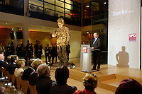 """21 NOV 2005, BERLIN/GERMANY:<br /> Franz Muentefering, SPD, scheidender Fraktionsvorsitzender und desgi. Bundesarbeitsminister, haelt eine Rede, vor den ehemaligen und scheidenden Ministern und den Mitgliedern der Fraktion, waehrend der Veranstaltung """"Danke, Kanzler!"""" der SPD Bundestagsfraktion, am letzten Amtstag von Gerhard Schroeder als Bundeskanzler, Willy-Brandt-Haus<br /> IMAGE: 20051121-01-010<br /> KEYWORDS: Gerhard Schröder, Franz Müntefering, speech, Willy Brandt Statue"""