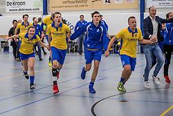17-03-2018 NED: Korfbal SKF v Antilopen, Maarssen<br /> SKF wint met 20-17 in Maarssen / Vreugde bij SKF