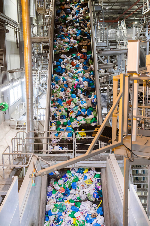 In Oslo source separation has been introduced using bags that effectively colour-codes the waste by type before sending it through the waste handling system.
