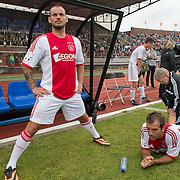 Amsterdam, 03-07-2013. Oud-Ajaxied Sjaak Swart wordt 75 jaar en krijgt een jubileumwedstrijd in het Olympisch Stadion te Amsterdam. Vele oud-Ajax gedienden waren uitgenodigd. Mr. Ajax - Sjaak Swart maakte deel uit van oud-Ajax elftal. Foto: Wesley Sneijder en Rafael van der Vaart.
