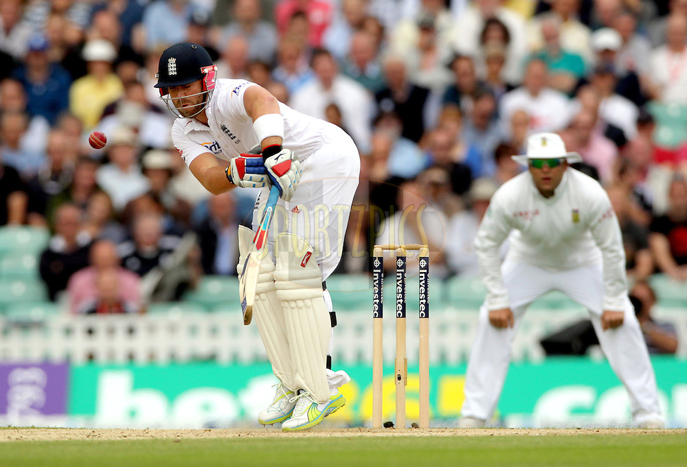 © Andrew Fosker / Seconds Left Images 2012 - England's Matt Prior (WK) gets tied up  by a short ball  England v South Africa - 1st Investec Test Match -  Day 2 - The Oval  - London - 20/07/2012