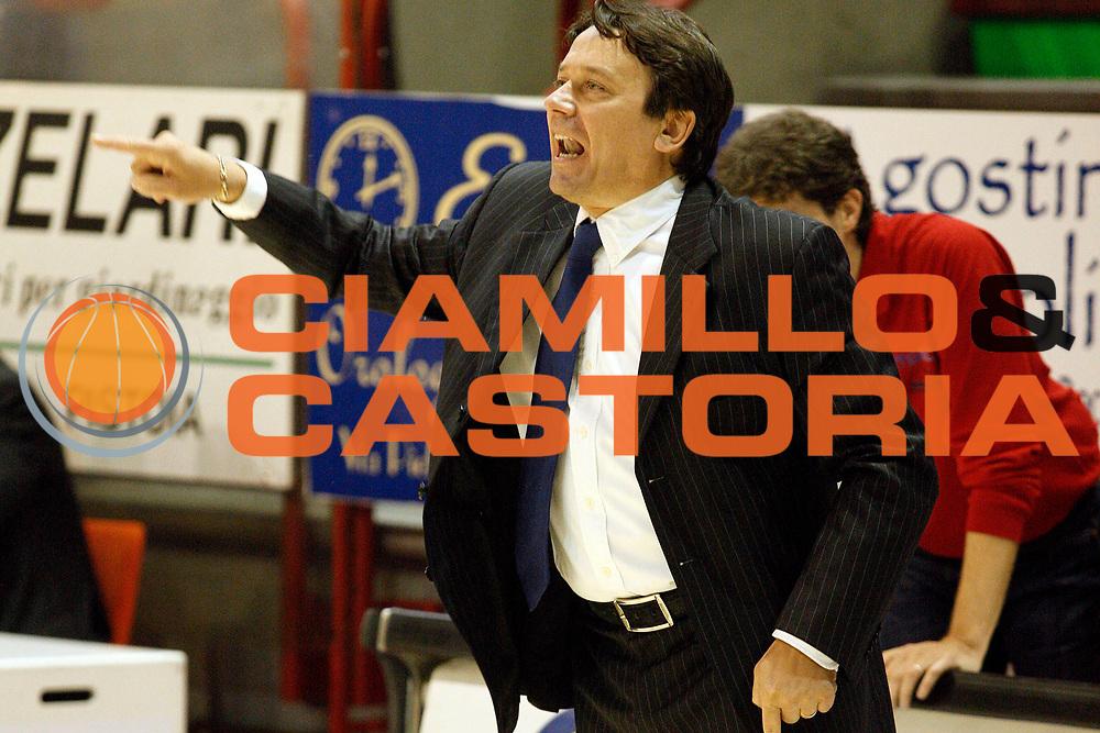 DESCRIZIONE : Pistoia Lega A2 2008-09 Carmatic Pistoia Cimberio Varese<br /> GIOCATORE : Coach Lasi Maurizio<br /> SQUADRA : Carmatic Pistoia<br /> EVENTO : Campionato Lega A2 2008-2009<br /> GARA : Carmatic Pistoia Prima Veroli<br /> DATA : 19/10/2008<br /> CATEGORIA : Delusione<br /> SPORT : Pallacanestro<br /> AUTORE : Agenzia Ciamillo-Castoria/Stefano D'Errico