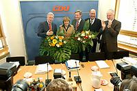 03 FEB 2003, BERLIN/GERMANY:<br /> Roland Koch, CDU, Ministerpraesident Hessen, Angela Merkel, CDU Bundesvorsitzende, Christian Wulff, CDU, desig. Ministerpraesident Niedersachsen, Laurenz Meyer, CDu Generalsekretaer, und Juergen Ruettgers, CDU, Bundesminister a.D., (v.L.n.R.), mit Blumen zu Beginn der Sitzung des Bundesvorstandes, CDU Bundesgeschaeftsstelle<br /> IMAGE: 20030203-01-008<br /> KEYWORDS: Ministerpräsident, Jürgen Rüttgers