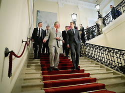 05.04.2017, Bundeskanzleramt, Wien, AUT, Staatsbesuch, Prinz Charles und Camilla in Wien, im Bild v.l.n.r. der britische Thronfolger Charles und Bundeskanzler Christian Kern (SPÖ) // f.l.t.r. Prince Charles, prince of Wales and Federal Chancellor of Austria Christian Kern during state visit of Prince of Wales and the Duchess of Cornwall at Federal Chancellors Office in Vienna, Austria on 2017/04/05, EXPA Pictures © 2017, PhotoCredit: EXPA/ BKA/ Andy Wenzel <br /> <br /> ***** VOLLSTÄNDIGE COPYRIGHTNENNUNG VERPFLICHTEND // MANDATORY CREDIT *****