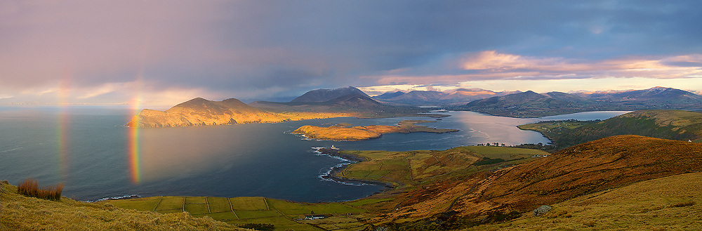 Rainbow - View from Geokaun Mountain with Valentia Island lighthouse / vl134