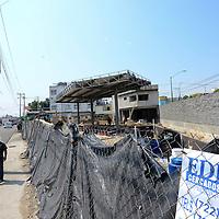 Toluca, México (Mayo 24, 2016).- Vecinos de la colonia Américas se manifestaron en contra de la construcción y operación de dos gasolineras en la calle 5 de mayo, temen por su seguridad.  Agencia MVT / Crisanta Espinosa