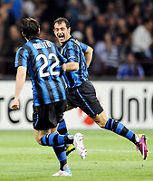 Milano, 05/04/2011<br /> Champions League/Inter-Schalke 04<br /> Gol Inter: Stankovic esulta con Milito