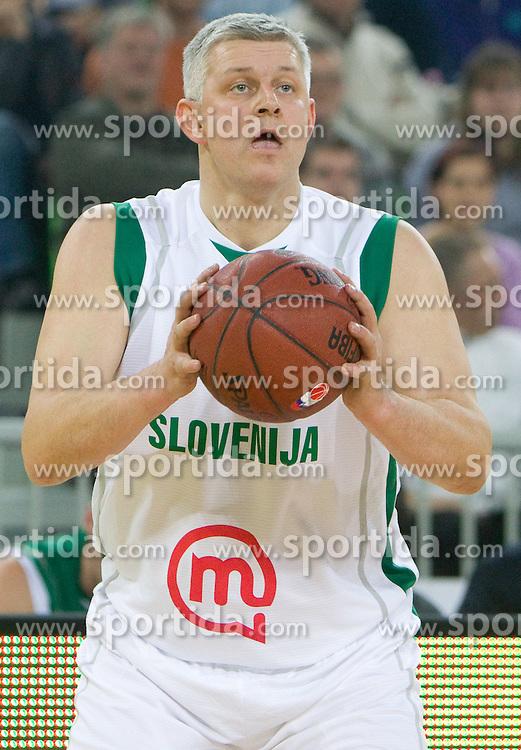 Teoman Alibegovic na Dnevu slovenske moske kosarke 2010, on January 2, 2011 in Arena Stozice, Ljubljana, Slovenia.  (Photo By Vid Ponikvar / Sportida.com)