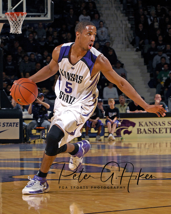 Kansas State guard Clent Stewart brings the ball up court in the first half against Maryland Eastern Shore at Bramlage Coliseum in Manhattan, Kansas, December 19, 2006.  K-State defeated UMES 79-58.<br />