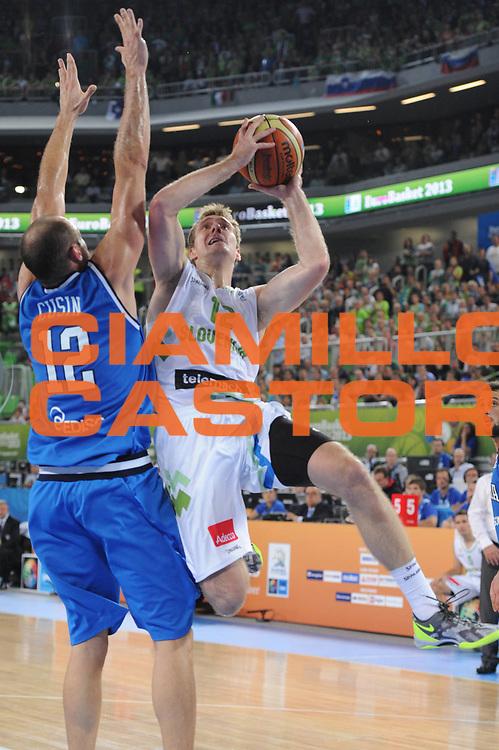 DESCRIZIONE : Lubiana Ljubliana Slovenia Eurobasket Men 2013 Second Round Slovenia Italia Slovenja Italy<br /> GIOCATORE : Zoran Dragic<br /> CATEGORIA : tiro shot<br /> SQUADRA : Slovenia Slovenja<br /> EVENTO : Eurobasket Men 2013<br /> GARA : Slovenia Italia Slovenja Italy<br /> DATA : 12/09/2013 <br /> SPORT : Pallacanestro <br /> AUTORE : Agenzia Ciamillo-Castoria/C.De Massis<br /> Galleria : Eurobasket Men 2013<br /> Fotonotizia : Lubiana Ljubliana Slovenia Eurobasket Men 2013 Second Round Slovenia Italia Slovenja Italy<br /> Predefinita :