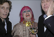 Sophie Hicks, Zandra Rhodes and Manolo Blahnik, Vogue 90th birthday party and to celebrate the Vogue List, Serpentine Gallery. London. 8 November 2006. ONE TIME USE ONLY - DO NOT ARCHIVE  © Copyright Photograph by Dafydd Jones 66 Stockwell Park Rd. London SW9 0DA Tel 020 7733 0108 www.dafjones.com