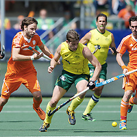 DEN HAAG - Rabobank Hockey World Cup<br /> 38 Final: Australia - Netherlands<br /> Foto: Rogier Hofman (orange) and Robert van der Horst (also orange).<br /> COPYRIGHT FRANK UIJLENBROEK FFU PRESS AGENCY