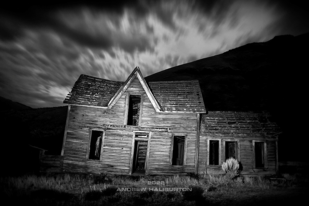 "Dilapidated Harris ""Ghost"" Ranch homestead, Deschutes River State Recreation Area, Wasco County, Oregon.  Nikon D700, 28/2 Ai."