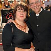 NLD/Amsterdam/20060715 - Premiere musical Rembrand, Frank de Grave en partner Dorienke Verkerk