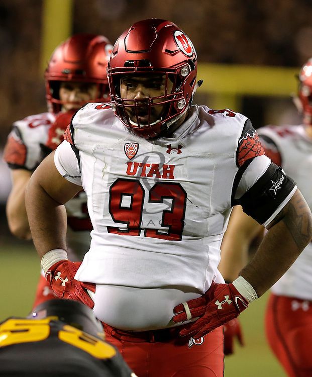 Utah defensive tackle Lowell Lotulelei (93) in the first half during an NCAA college football game against Arizona State, Thursday, Nov. 10, 2016, in Tempe, Arizona. (Rick Scuteri via AP)