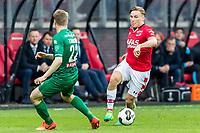 ALKMAAR - 01-04-2017, AZ - FC Groningen, AFAS Stadion, 0-0, FC Groningen speler Simon Tibbling, AZ speler Jonas Svensson