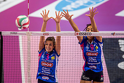 27-11-2016 ITA: Gorgonzola Igor Volley Novara - Nordmeccanica Modena, Novara<br /> Nova wint in drie sets van Modena / Sara Bonifacio #9, Carlotta Cambi #3