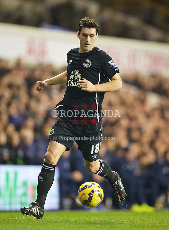 LONDON, ENGLAND - Sunday, November 30, 2014: Everton's Gareth Barry in action against Tottenham Hotspur during the Premier League match at White Hart Lane. (Pic by David Rawcliffe/Propaganda)