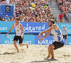 31.07.2016, Strandbad, Klagenfurt, AUT, FIVB World Tour, Beachvolleyball Major Series, Klagenfurt, Herren, im Bild Chaim Schalk (1, CAN), Ben Saxton (2, CAN) // during the FIVB World Tour Major Series Tournament at the Strandbad in Klagenfurt, Austria on 2016/07/31. EXPA Pictures © 2016, PhotoCredit: EXPA/ Gert Steinthaler