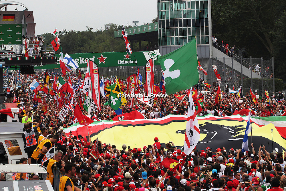 &copy; Photo4 / LaPresse<br /> 04/09/2016 Monza, Italy<br /> Sport <br /> Grand Prix Formula One Italia 2016<br /> In the pic: podium<br /> 1st position Nico Rosberg (GER) Mercedes AMG F1 W07 Hybrid <br /> 2nd position Lewis Hamilton (GBR) Mercedes AMG F1 W07 Hybrid <br /> 3rd position Sebastian Vettel (GER) Scuderia Ferrari SF16-H