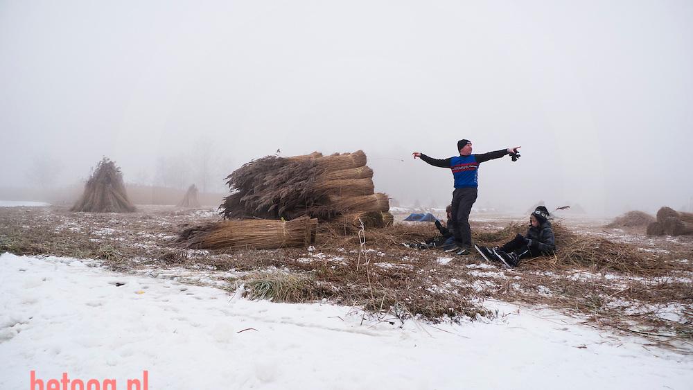 Nederland overijssel 30dec2010 schaatsen in de kop van overijssel op de weerribben, belterwijde en weerribben-wieden op de éénnalaatste dag van 2010