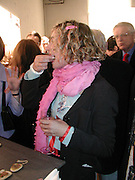 Desiree Mejer from Fake. TRIBE ART COMMISSION / 2002 / JULIAN OPIE, dinner,  Truman Brewery. London.  16 April 2002. © Copyright Photograph by Dafydd Jones 66 Stockwell Park Rd. London SW9 0DA Tel 020 7733 0108 www.dafjones.com