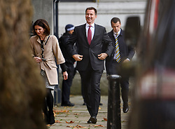 © Licensed to London News Pictures. 14/11/2018. London, UK. British Foreign Secretary JEREMY HUNT is seen smiling as he arrives at Downing Street via a rear entrance for a Cabinet meeting to discus a proposed Brexit deal. Photo credit: Ben Cawthra/LNP