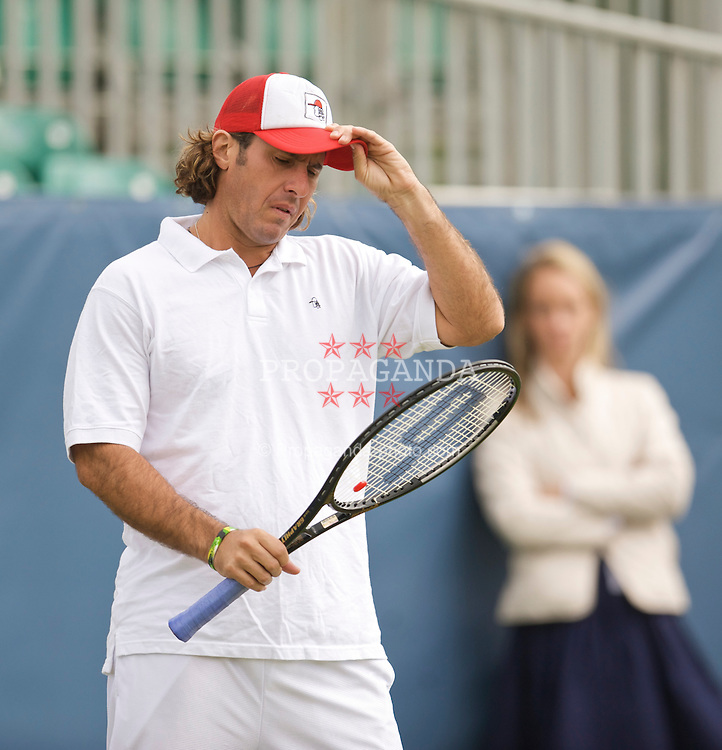 LIVERPOOL, ENGLAND - Thursday, June 18, 2009: Vince Spadea (USA) during Day Two of the Tradition ICAP Liverpool International Tennis Tournament 2009 at Calderstones Park. (Pic by David Rawcliffe/Propaganda)