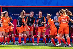 15-06-2019 FRA: Netherlands - Cameroon, Valenciennes<br /> FIFA Women's World Cup France group E match between Netherlands and Cameroon at Stade du Hainaut / Renate Jansen #13 of the Netherlands, Daniëlle van de Donk #10 of the Netherlands, Victoria Pelova #12 of the Netherlands, Ellen Jansen #17 of the Netherlands