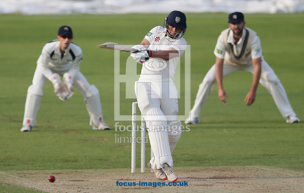 Scott Borthwick of Durham batting during the LV County Championship Div One match at Emirates Durham ICG, Chester-le-Street<br /> Picture by Simon Moore/Focus Images Ltd 07807 671782<br /> 23/08/2015