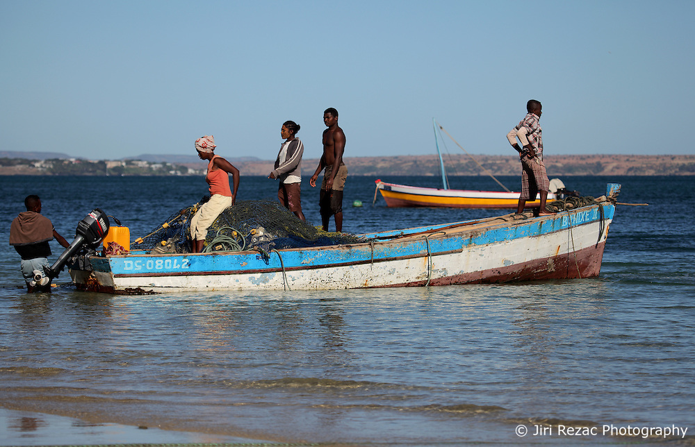 MADAGASCAR RAMENA 15AY13 - Artisanal fishermen prepare their boat on the beach at Ramena near Antsiranana before going to sea for a day's fishing.<br /> <br /> <br /> <br /> jre/Photo by Jiri Rezac / Greenpeace
