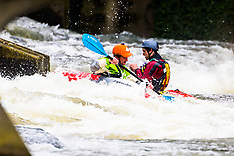 2018-04-12 Kayakers play at Hurley weir on Thames