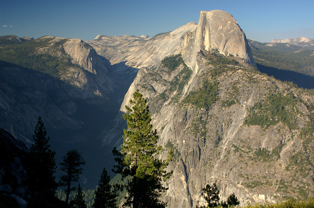 view from Glacier Point over Yosemite Valley with Half Dome, Yosemite National Park, California, United States of America