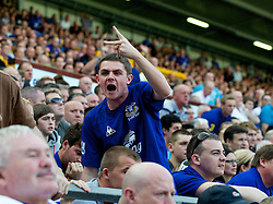 LIVERPOOL, ENGLAND - Saturday, October 1, 2011: An Everton supporter makes his feelings known, and unwittingly predicts the final score, during the Premiership match against Liverpool at Goodison Park. (Pic by David Rawcliffe/Propaganda)