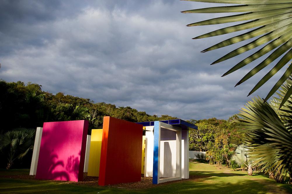 Brumadinho_MG, Brasil...Centro de Arte Contemporanea Inhotim (CACI). Na foto a obra de Helio Oiticica, Invencao da cor, Penetravel Magic Square # 5, De Luxe, 1997...The Inhotim Contemporary Art Center (CACI). In this photo the art of Helio Oiticica, Invencao da cor, Penetravel Magic Square # 5, De Luxe, 1997...Foto: NIDIN SANCHES / NITRO