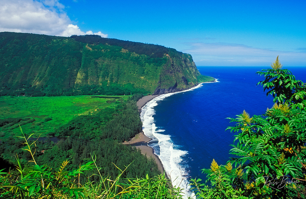 Waipi'o Valley and beach, Hamakua Coast, The Big Island, Hawaii