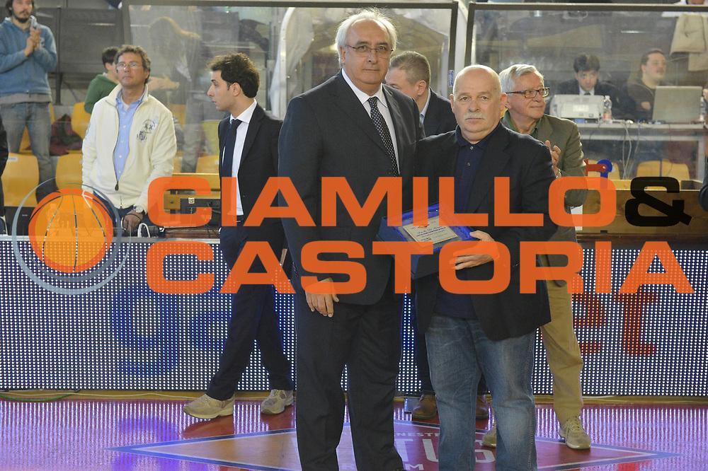 DESCRIZIONE : Roma Lega A 2012-2013 Acea Roma Enel Brindisi<br /> GIOCATORE : Francesco Martini Paolo Di Fonzo<br /> CATEGORIA : ritratto premiazione Banco Roma 1983<br /> SQUADRA : Acea Virtus Roma<br /> EVENTO : Campionato Lega A 2012-2013 <br /> GARA : Acea Roma Enel Brindisi<br /> DATA : 21/04/2013<br /> SPORT : Pallacanestro <br /> AUTORE : Agenzia Ciamillo-Castoria/GiulioCiamillo<br /> Galleria : Lega Basket A 2012-2013  <br /> Fotonotizia : Roma Lega A 2012-2013 Acea Roma Enel Brindisi<br /> Predefinita :