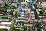 Nederland, Zuid-Holland, Rotterdam, 15-07-2012; Pendrecht (deelgemeente Charlois, Rotterdam-Zuid). Sliedrechtstraat..Nieuwbouwwijk uit de jaren vijftig van de vorige eeuw, wederopbouw periode. Stedenbouwkundig ontwerp van Lotte Stam-Beese, kenmerkend zijn de ruime opzet en  veel groen. Ontworpen als wijk met verschillende woningtypen (en verschillende bewoners) en voorzien van alle voorzieningen..Pendrecht (part of Charlois, Rotterdam-South). New neighborhood (fifties of the last century), post-war reconstruction period. Urban design of Lotte Stam-Beese, characterized by spacious layout and lots of green. Designed as residential district with different housing types.. .QQQ.luchtfoto (toeslag), aerial photo (additional fee required).foto/photo Siebe Swart