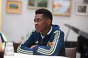 HELSINGBORG , 2017-06-07: Joel Asoro blir intervjuad efter U21 landslagets tr&auml;ning p&aring; Olympia, Helsingborg den 7 juni.<br /> Foto: Nils Petter Nilsson/Ombrello<br /> Fri anv&auml;ndning f&ouml;r kunder som k&ouml;pt U21-paketet, annars betalbild.<br /> ***BETALBILD***