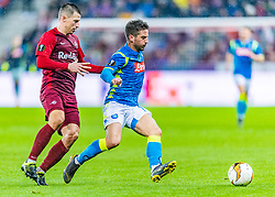 14.03.2019, Red Bull Arena, Salzburg, AUT, UEFA EL, FC Red Bull Salzburg vs SSC Napoli, Achtelfinale, Rückspiel, im Bild v.l. Stefan Lainer (FC Salzburg), Dries Mertens (SSC Napoli) // during the UEFA Europa League round of 16, 2nd leg match between FC Red Bull Salzburg and SSC Napoli at the Red Bull Arena in Salzburg, Austria on 2019/03/14. EXPA Pictures © 2019, PhotoCredit: EXPA/ Stefan Adelsberger