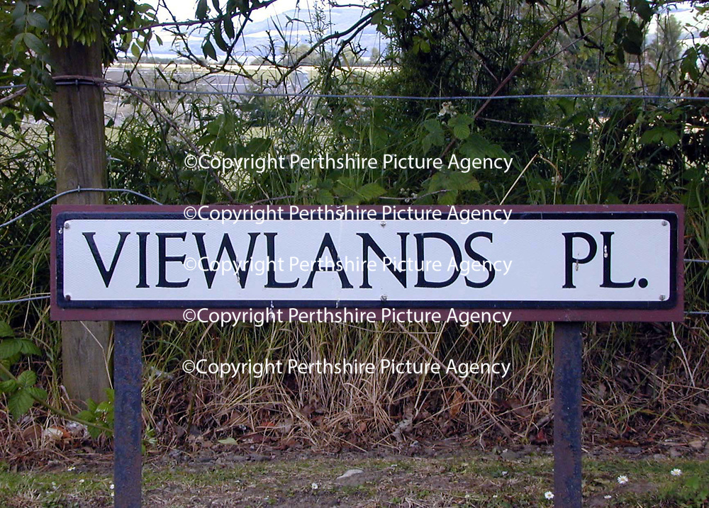 Viewlands Place...14.7.2000<br />(Attn NOW pic desk.)<br />GV of 5 Viewlands Place, Erroll, Perthshire.<br /><br />Picture Copyright John Lindsay.<br />Perthshire Picture Agency<br />Tel: 01738 623350  Mobile: 07775 852112