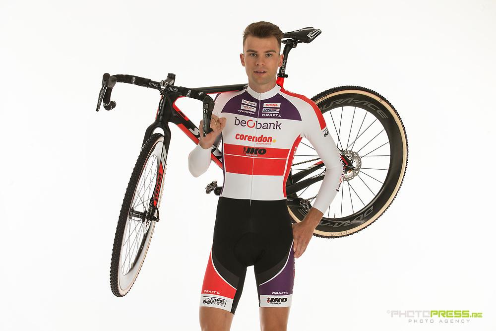 BELGIUM / BELGIQUE / BELGIE / SINT-KATELIJNE-WAVER / CX / CYCLOCROSS / VELDRIJDEN / CYCLO-CROSS / BEOBANK - CORENDON CYCLING TEAM / 2017-2018 / STIJN CALUWE (BEL) /