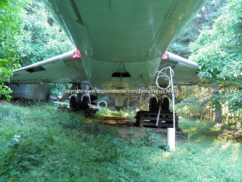 Man Lives In A Boeing 727 In The Middle Of The Woods<br /> <br /> Bruce Campbell is an inventive engineer who bought a retired Boeing 727 aircraft fuselage and upcycled it into an unusual and innovative home. The huge 3-engine commercial airliner is propped up on concrete pillars in a suburban wooded area outside of Portland, Oregon, and has its own driveway.<br /> <br /> The aircraft features a makeshift shower, but he is still working to install a working lavatory and to restore some of the plane&rsquo;s original interior elements, like seating and lights. Campbell lives in this plane 6 months every year, and spends the other part of the year in Japan, where he is also looking to buy and similarly re-use a retired Boeing 747 fuselage. The 10 acres where he&rsquo;s building his Oregon home cost $23,000 when he bought them in his 20s, and the plane set him back $220,000.<br /> &copy;www.airplanehome.com/Exclusivepix Media