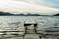 Trapiche danificado na Lagoa da Conceição. Florianópolis, Santa Catarina, Brasil. / Damaged pier at Conceicao Lagoon. Florianopolis, Santa Catarina, Brazil.