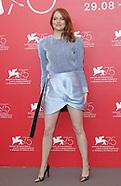 Emma Stone & Olivia Colman - Favourite PhotoCall