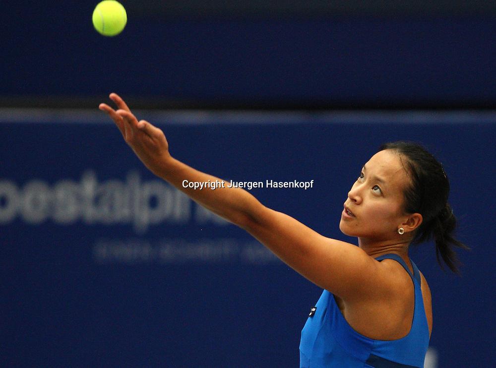 Generali Ladies Linz Open 2010,WTA Tour, Damen.Hallen Tennis Turnier in Linz, Oesterreich,.Anne Keothavong (GBR).