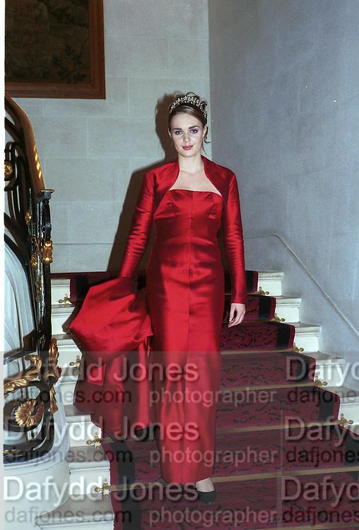 Tamara Ecclestone. Crillon Haute Couture Ball. Crillon Hotel, Paris. 2 December 2000. © Copyright Photograph by Dafydd Jones 66 Stockwell Park Rd. London SW9 0DA Tel 020 7733 0108 www.dafjones.com