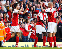 Fotball<br /> Premier League England 2004/2005<br /> Foto: SBI/Digitalsport<br /> NORWAY ONLY<br /> <br /> 30.10.2004<br /> Arsenal v Southampton<br /> <br /> Arsenal's Robin van Persie celebrates his goal with team mate Cygan
