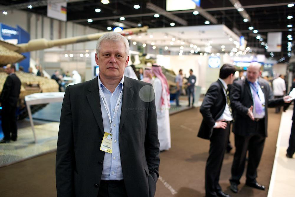 IDEX 2011 in Abu Dhabi. ASIEN, VEREINIGTE ARABISCHE EMIRATE, EMIRAT ABU DHABI, ABU DHABI, 23.02.2011: Portrait SPIEGEL-Redakteur Markus Dettmer.